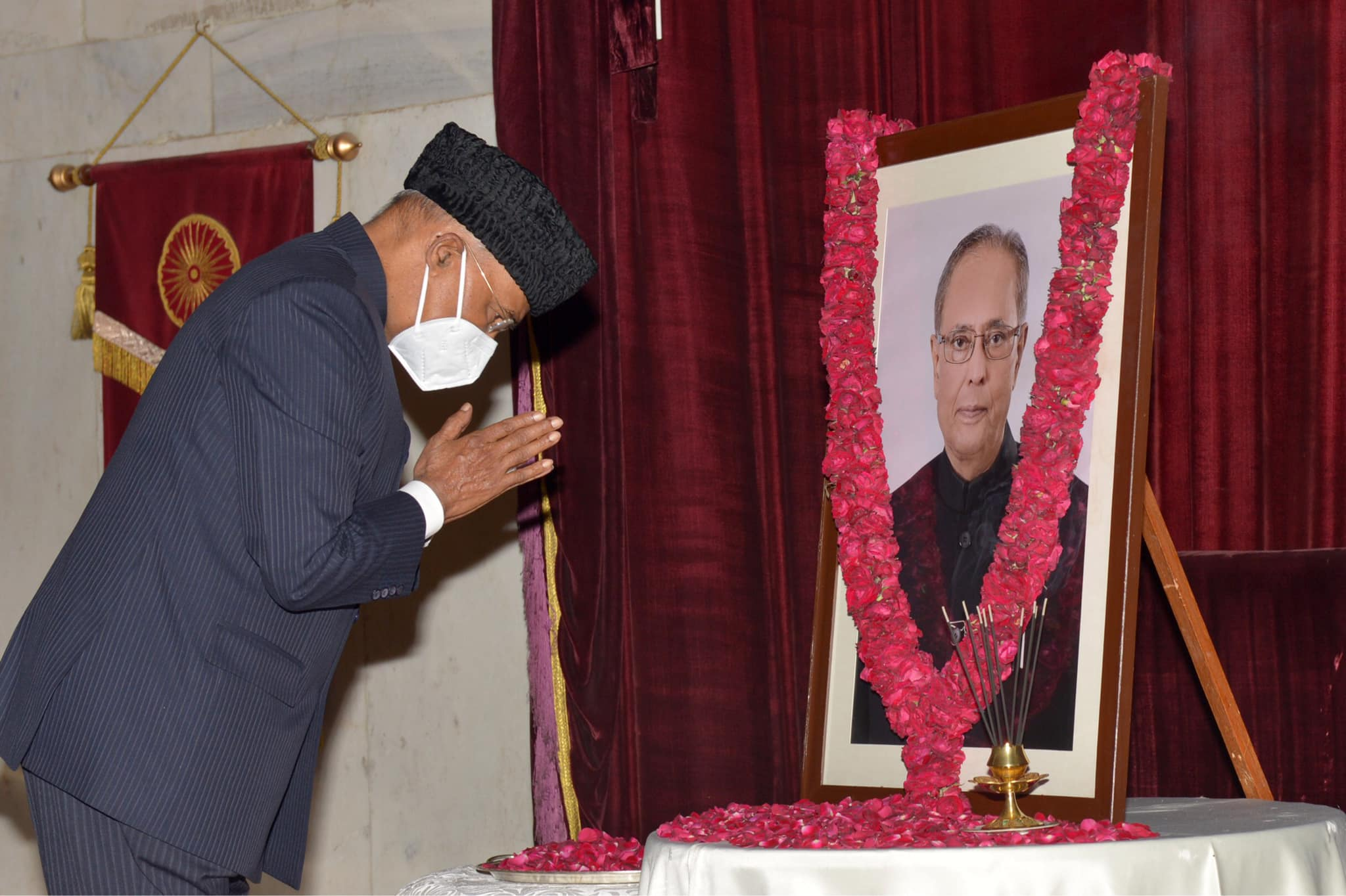 Ram Nath Kovind | Kovind | President of India | Governor of Bihar | 1994-2006 MP (Rajya Sabha) | Lawyer for 16 years | Personal Assistant of Prime Minister of India Morarji Desai | President of the BJP Dalit Morcha | National Spokesperson of the party | Advocate of bar Council | Central Government Advocate in the Delhi High Court | Advocate-on-record of the Supreme Court of India | Standing Counsel for the Central Government in the Supreme Court of India | RSS | BJP | Paraunkh | Kanpur Dehat | Uttar Pradesh | India | theLeadersaPage