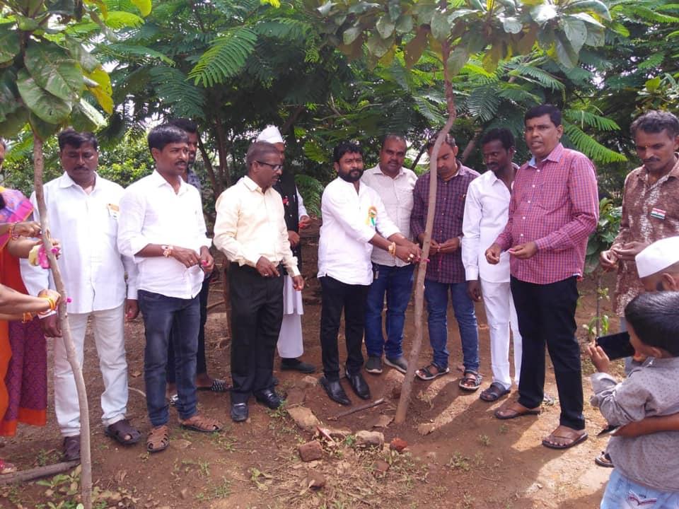Kadapala Bal Reddy | Vice-MPP | MPTC | TDP | TRS | Ward Member | Gajwel-Pregnapur | Gouraram | Wargal | Siddipet | Singayapally | Telangana | theLeadersPage