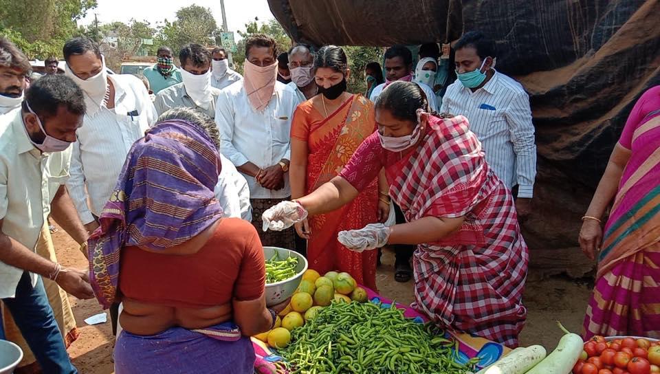 Anasuya Dansari (Seethakka) | MLA | Incharge of Chhattisgarh Mahila Congress | Jayashankar Bhupalpally | Mulugu | Chhattisgarh | Congress | Warangal | Jaggannapet | Politburo | General Secretary of All India Mahila Congress | TDP | Junior Advocate | theLeadersPage