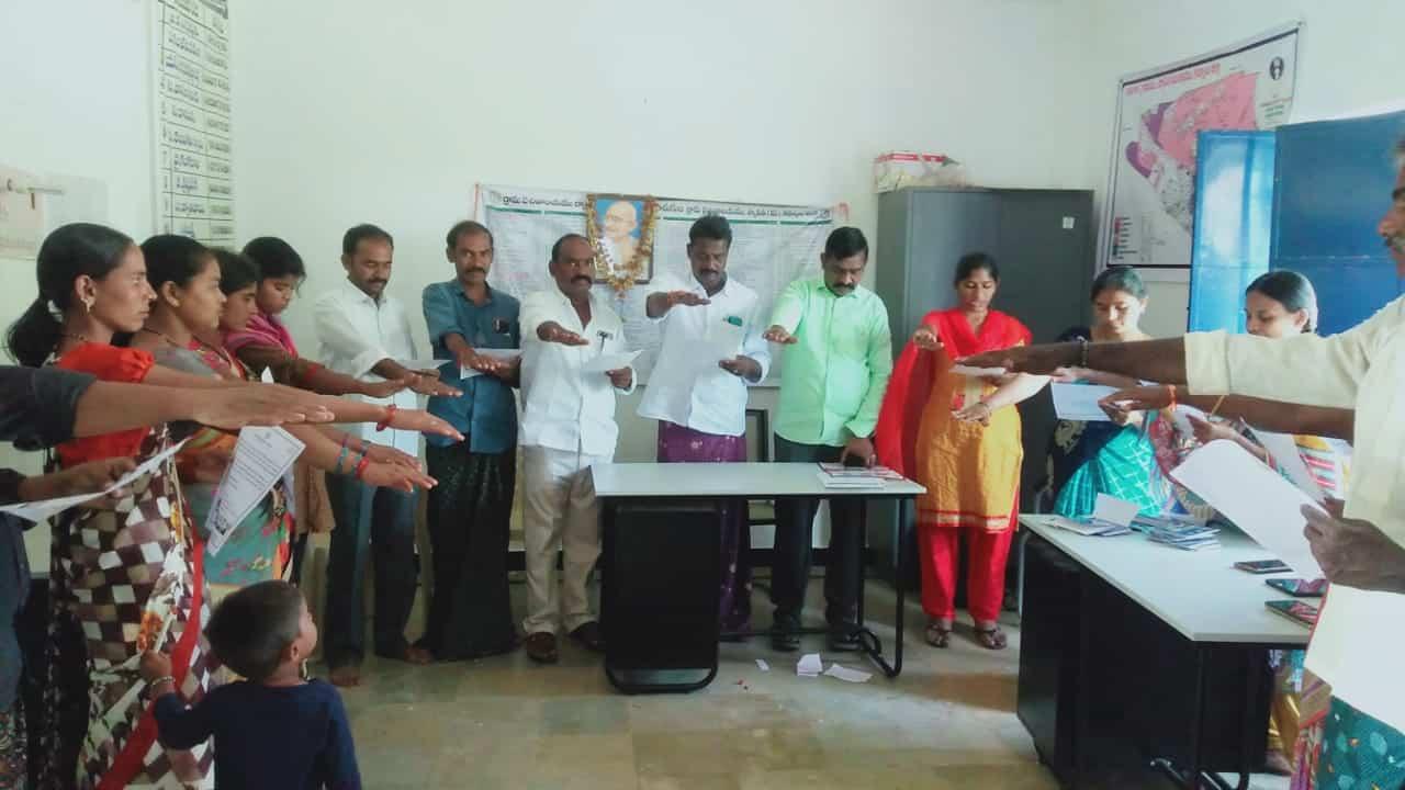 Lotavath Laxmiram Nayak   YSRCP Leader   Sithamma Thanda   Peapally   Kurnool   Andhra Pradesh   YSRCP   theLeadersPage   Active Member   Dhone
