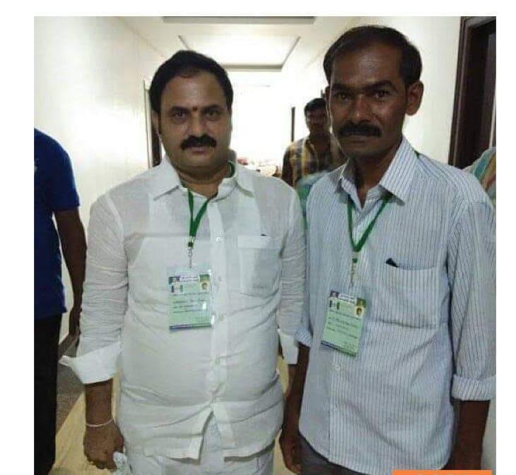 Girigari Thulasi Reddy   YSRCP Leader   Burugula   Peapully   Kurnool   Dhone   Andhra Pradesh   theLeadersPage   YSRCP   Congress   Convenor of YSRCP   Active Member   Social Services