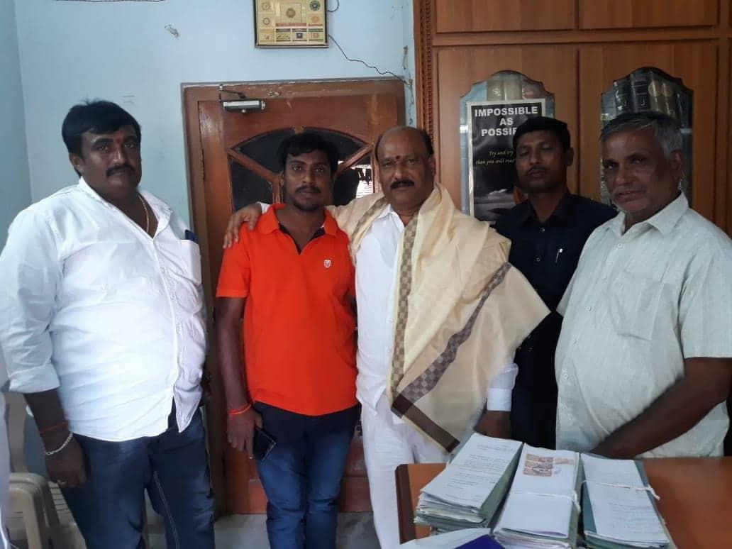 Erragolla Raju Yadav   BJYM Mandal President   BJP   Warangal Urban General Secretary of Yadava Sangham   Social Activist   Keshavapuram   Elkathurthy   Husnabad   Warangal Urban   Telangana   theLeadersPage