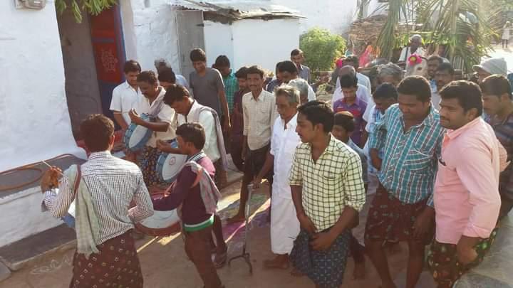 Peram Chinna Bayapa Reddy | Chinna Bayapa Reddy | Bayapa Reddy | Mandal Reddy Sangam Convenor | Sarpanch | party Activist | Mandal Yuvajana Chief Secretary | YSRCP | Mekalapally | Peapalli | Dhone | Kurnool | Andhra Pradesh | theLeadersPage |