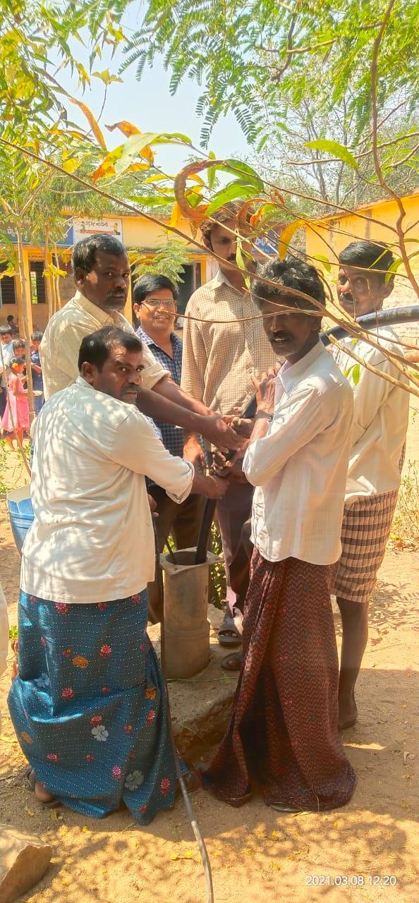 Kothagolla Surakanna | YSRCP Leader | Mamillapalle | Peapally | Kurnool | Andhra Pradesh | YSRCP | Congress | TDP | theLeadersPage | Active Member | Dhone