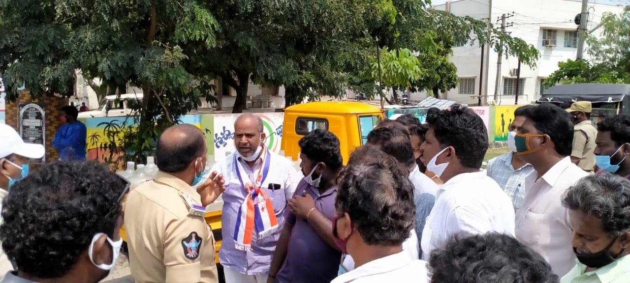 Dr. Gollapudi Pardhasaradhi | State President of Andhra Pradesh Chaakirevu Rajaka Sangam | Andhra Pradesh | Founder&Chairperson | Founder | Vijayawada | Krishna | theLeadersPage