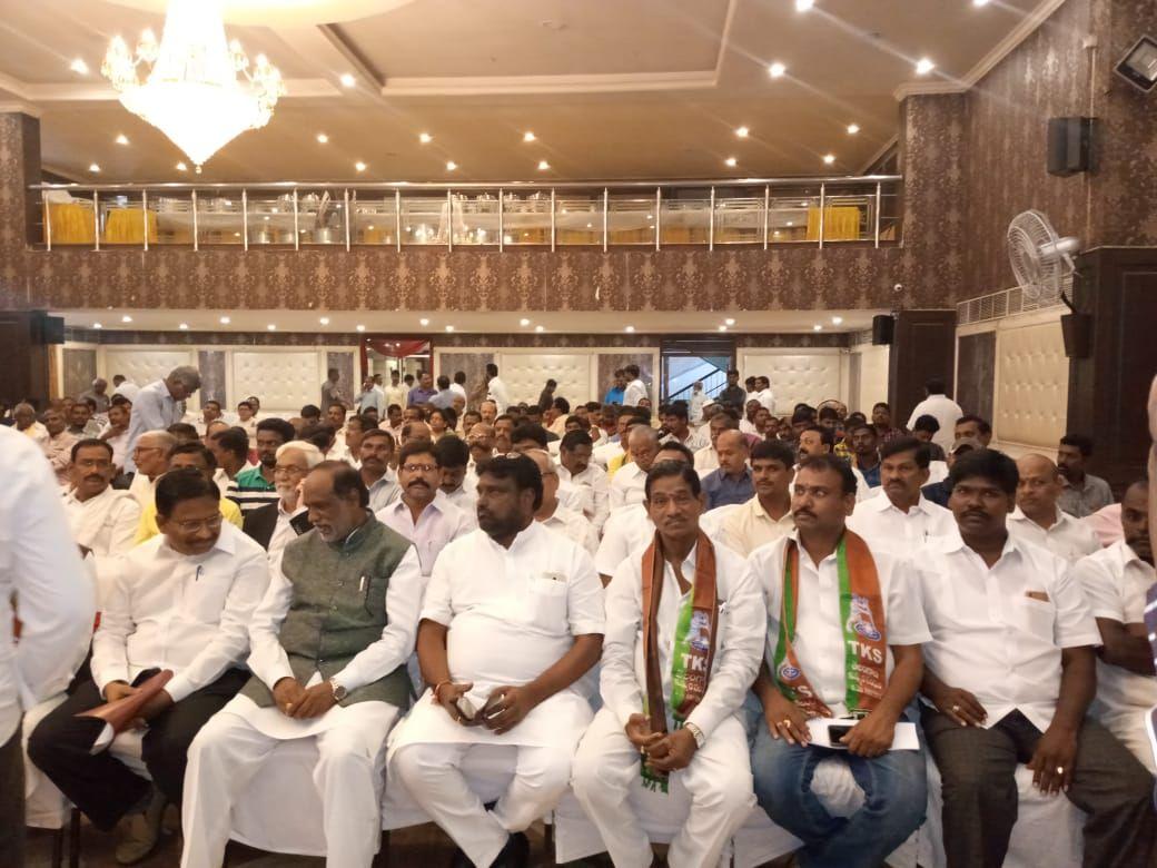 Ponna Ravi Kumar   Founder and State President of Shalivahana Kummarula Abhivrudhi Sankshema Samithi   Vice-Sarpanch   Vice-President for Andhra Pradesh Kummarula Shalivahana Sankshema Sangam   Tirupati   Andhra Pradesh   TDP   theLeadersPage