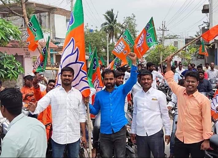 Guduru Raju | Village General Secretary | District General Secretary of Madiga Hakkula Porata Samiti | TRS | BJP | Member of Ambedkar Committee | Party Activist | Social Activist | Bommakur | Narmetta | Jangaon | Telangana | theLeadersPage