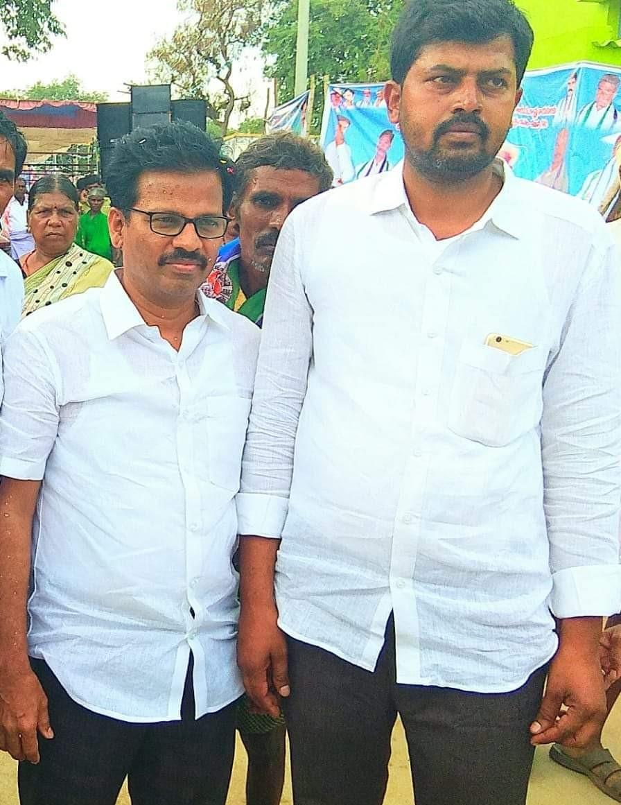 Mandala Manjunath Reddy | Sarpanch | Honnampalli | Parigi | Anantapur | Andhra Pradesh | theLeadersPage | YSRCP | Congress | Penukonda | Party Activist | Vice President of Hindupuram Parlaiment Farmer Section | Hindupuram | Mandhala Manjunath Reddy