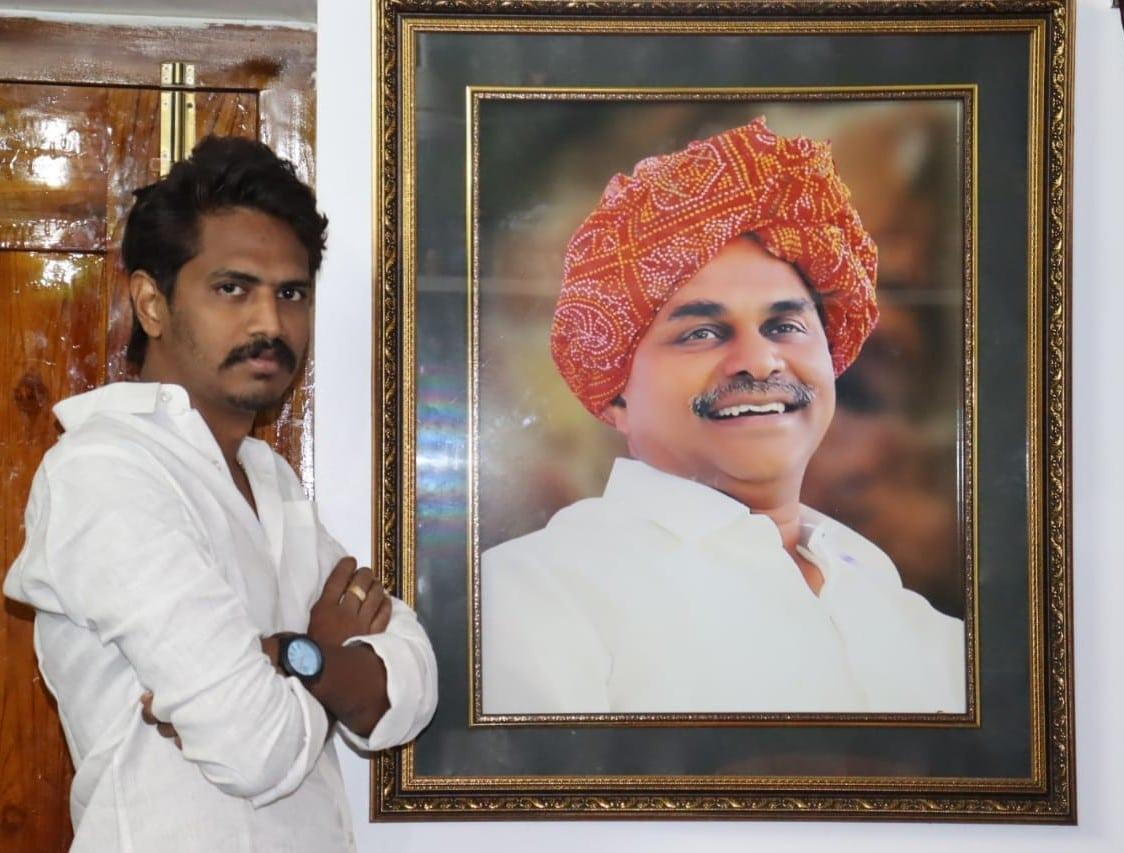 Kodamanchali Harish Kumar   State Yuvasena President of Madiga Hakkula Porata Samiti(MHPS)   YSRCP   Journalist   Business   Social Activist   Penikeru   Alamuru   Kothapeta   East Godavari   Andhra Pradesh   theLeadersPage