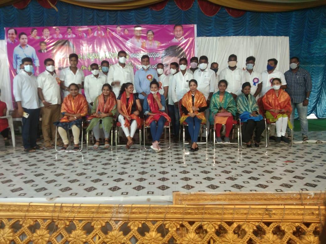 Kethireddy Bhaskar | Sarpanch | TRS | TRS Youth Wing Constituency President | Nagulapet | Korutla | Karimnagar | Telangana | theLeadersPage | Mandal Youth President of Telangana Jagruthi | President of Constituency Student Wing | Jagital | Nagulapet