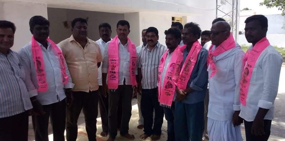 Palla Srikanth Reddy   Mandal Vice President   Village President   Active Member   TRS   Devarakonda   Nalgonda   Telangana   theLeadersPage